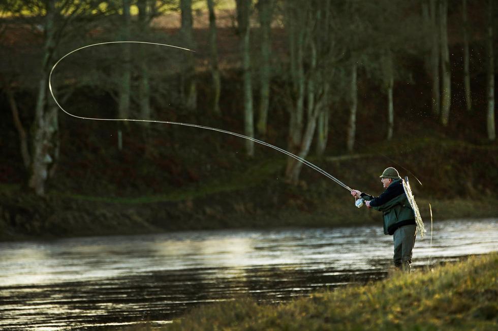 Đi Scotland câu cá hồi, nhậu whisky - Ảnh 5.