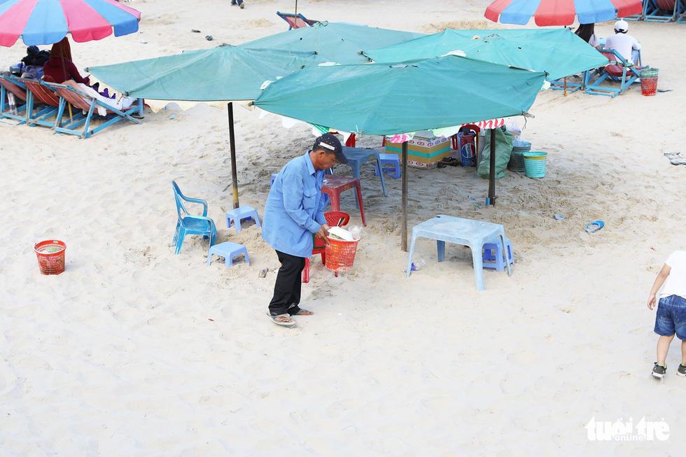 Bãi biển bẩn, do chúng ta đấy chứ - Ảnh 6.