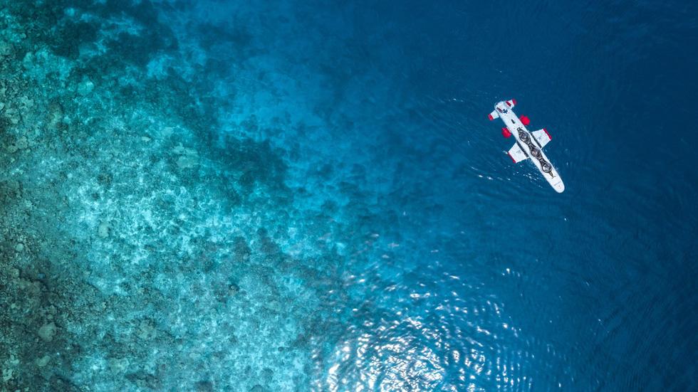 Đến Maldives ngồi tàu ngầm ngắm san hô - Ảnh 2.