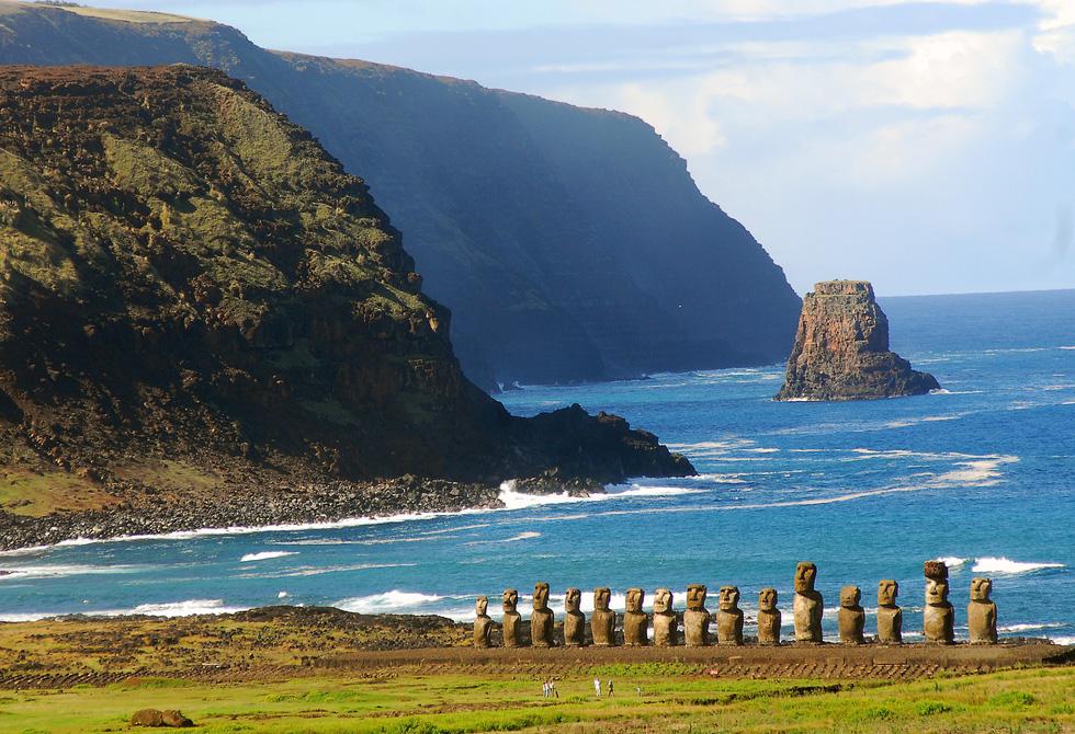 Đảo Phục Sinh và những bức tượng Moai bí ẩn - Ảnh 2.