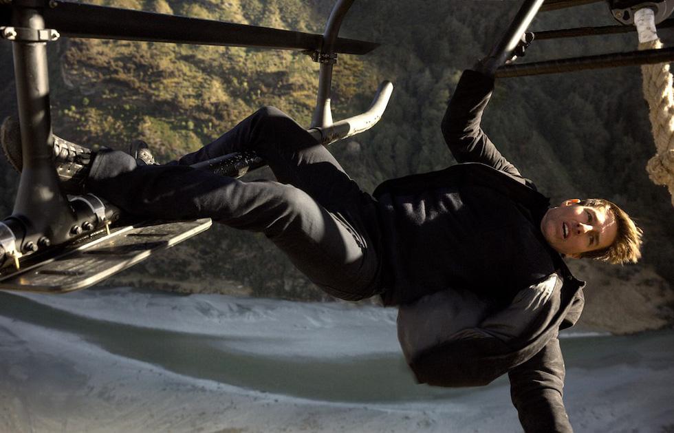 Tom Cruise U60 vẫn phong độ ngời ngời trong Nhiệm vụ bất khả thi 6 - Ảnh 9.