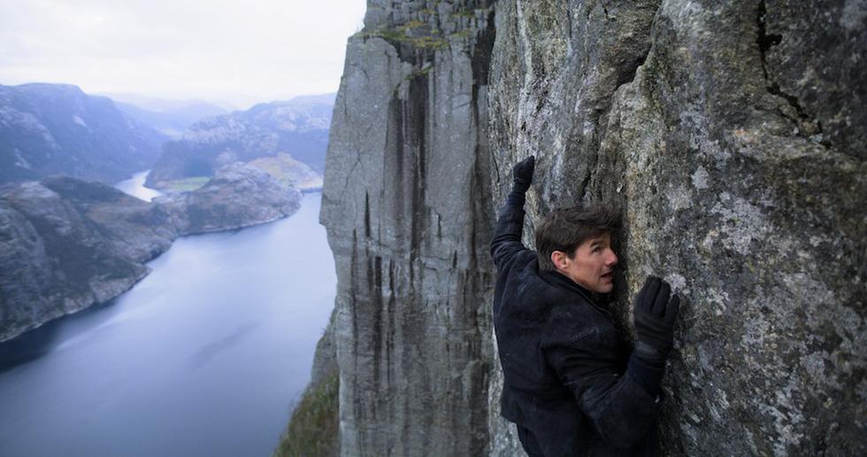 Tom Cruise U60 vẫn phong độ ngời ngời trong Nhiệm vụ bất khả thi 6 - Ảnh 11.