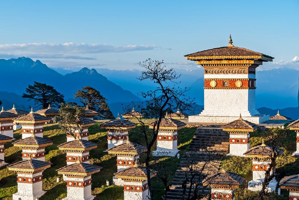 Bay thẳng đến đất nước hạnh phúc Bhutan - Ảnh 1.