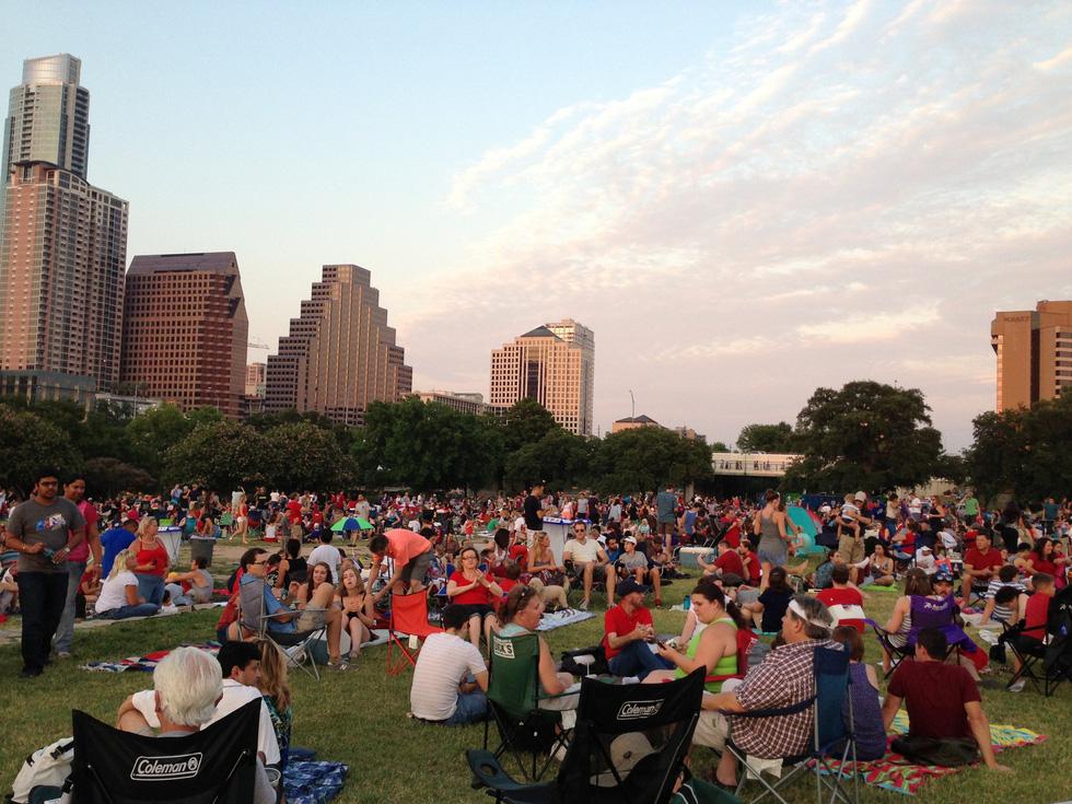 Đi chơi không sợ mưa rơi ở Austin - Ảnh 2.