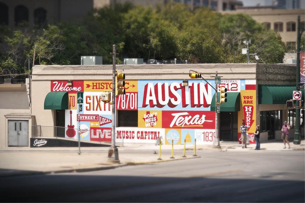 Đi chơi không sợ mưa rơi ở Austin - Ảnh 1.