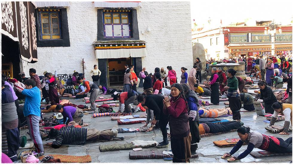 Ấn tượng nghi thức tam bộ ngũ thể nhập địa ở Tây Tạng - Ảnh 2.