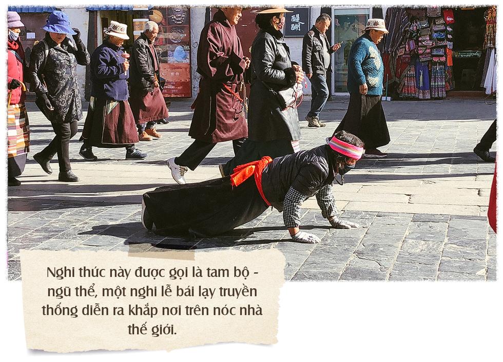 Ấn tượng nghi thức tam bộ ngũ thể nhập địa ở Tây Tạng - Ảnh 3.
