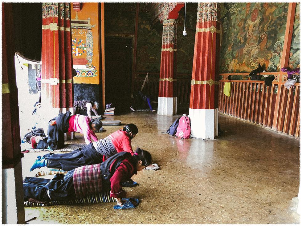 Ấn tượng nghi thức tam bộ ngũ thể nhập địa ở Tây Tạng - Ảnh 5.