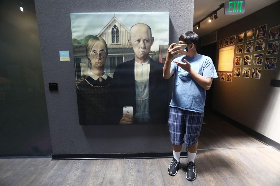 Thỏa sức 'selfie' tại Bảo tàng chụp ảnh tự sướng California - Ảnh 5.