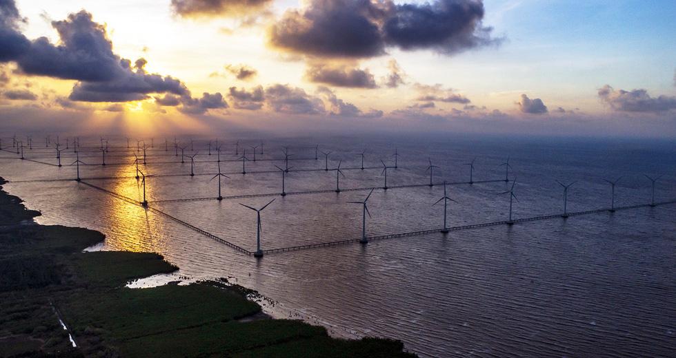 Nhà máy điện gió Bạc Liêu - Ảnh 1.