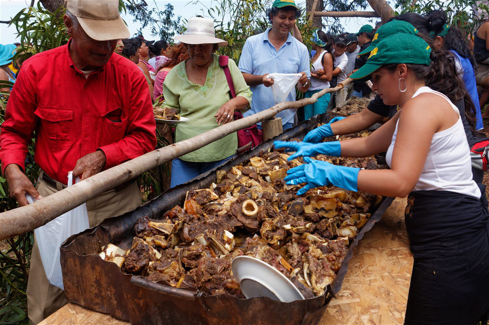 Chơi đủ trò tại lễ hội Tapati của cư dân Đảo Phục Sinh - Ảnh 10.
