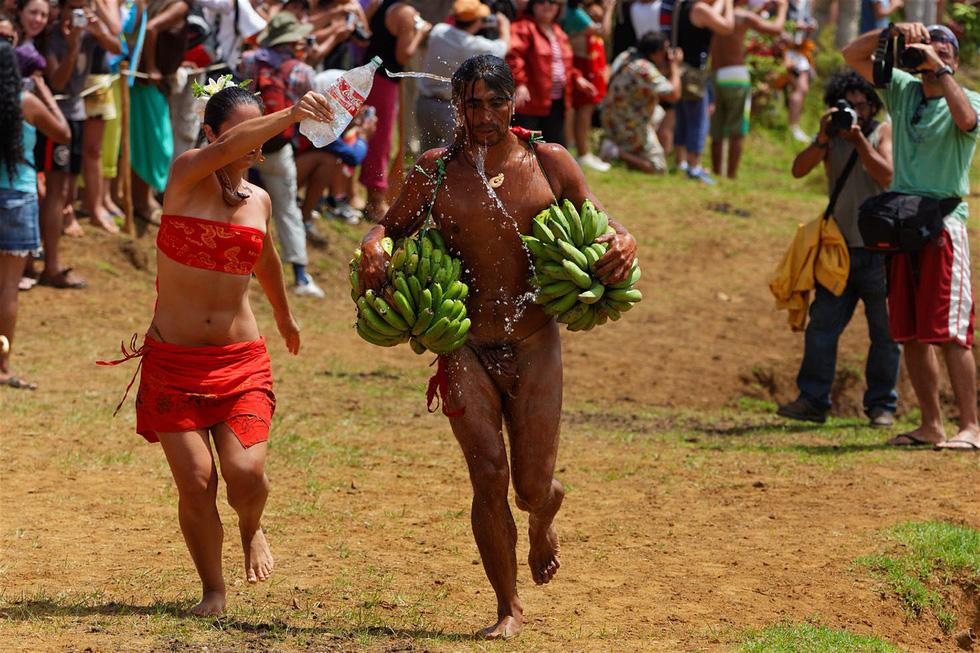 Chơi đủ trò tại lễ hội Tapati của cư dân Đảo Phục Sinh - Ảnh 4.