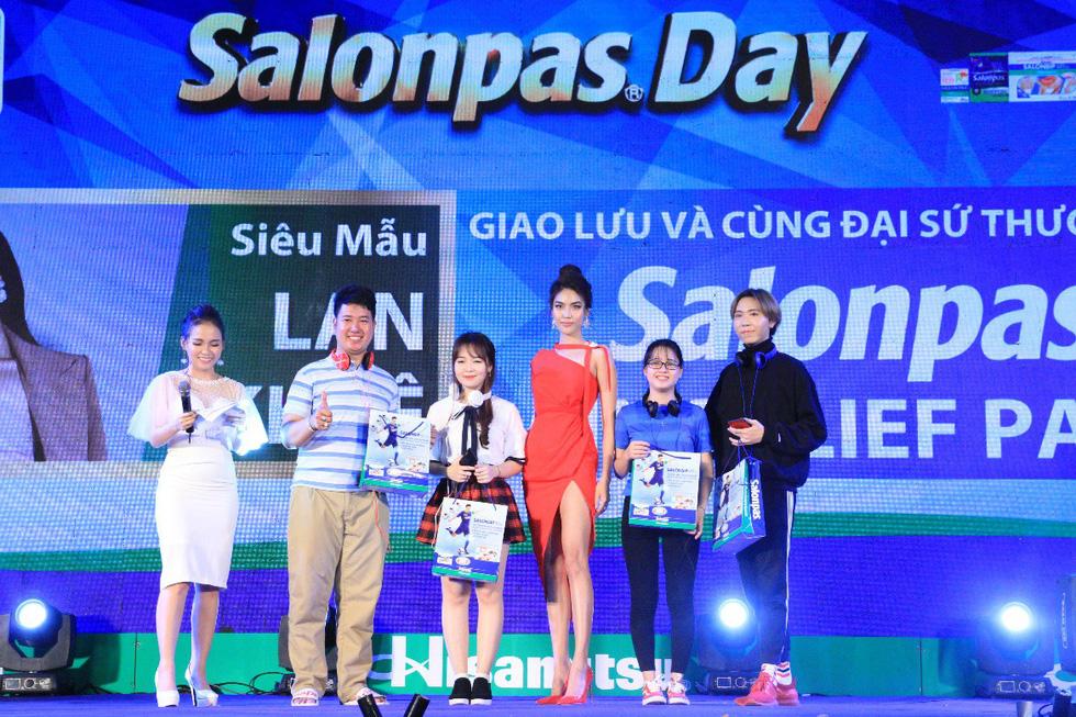 Khán giả bùng nổ đại tiệc Salonpas Day 2018 - Ảnh 1.
