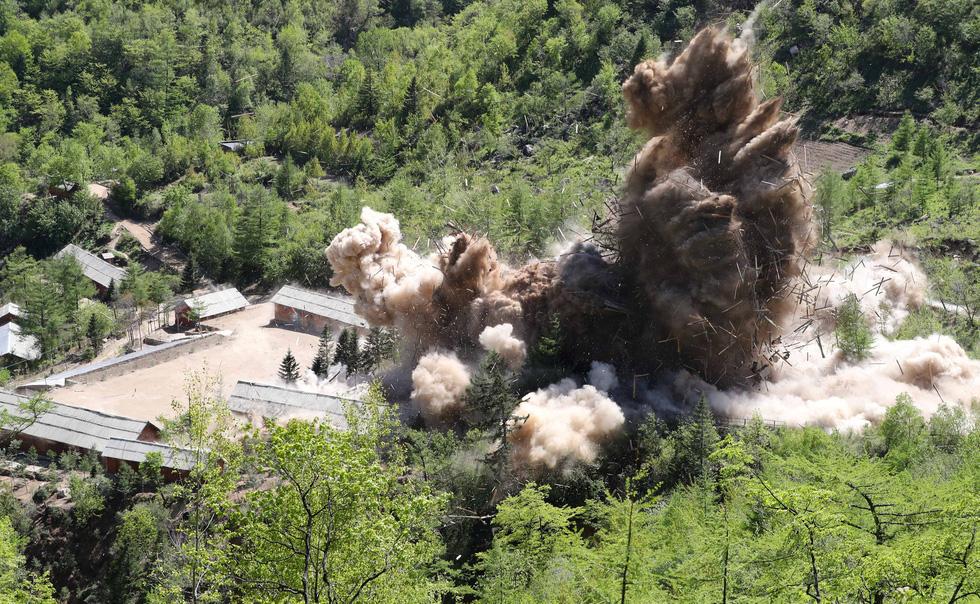 Cận cảnh phá bỏ bãi thử hạt nhân Punggye-ri của Triều Tiên - Ảnh 9.