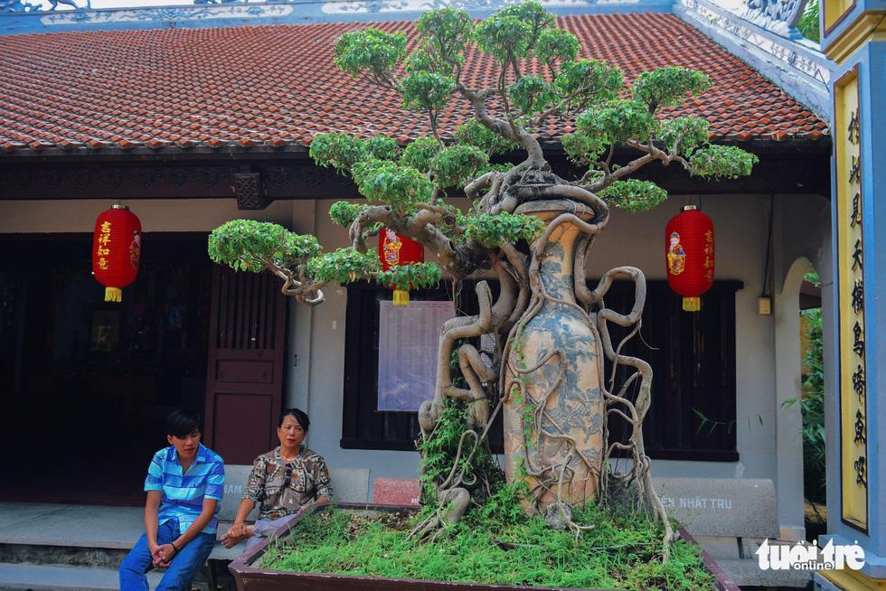 Mùa Phật Đản đi lễ chùa Một Cột tại Sài Gòn - Ảnh 10.