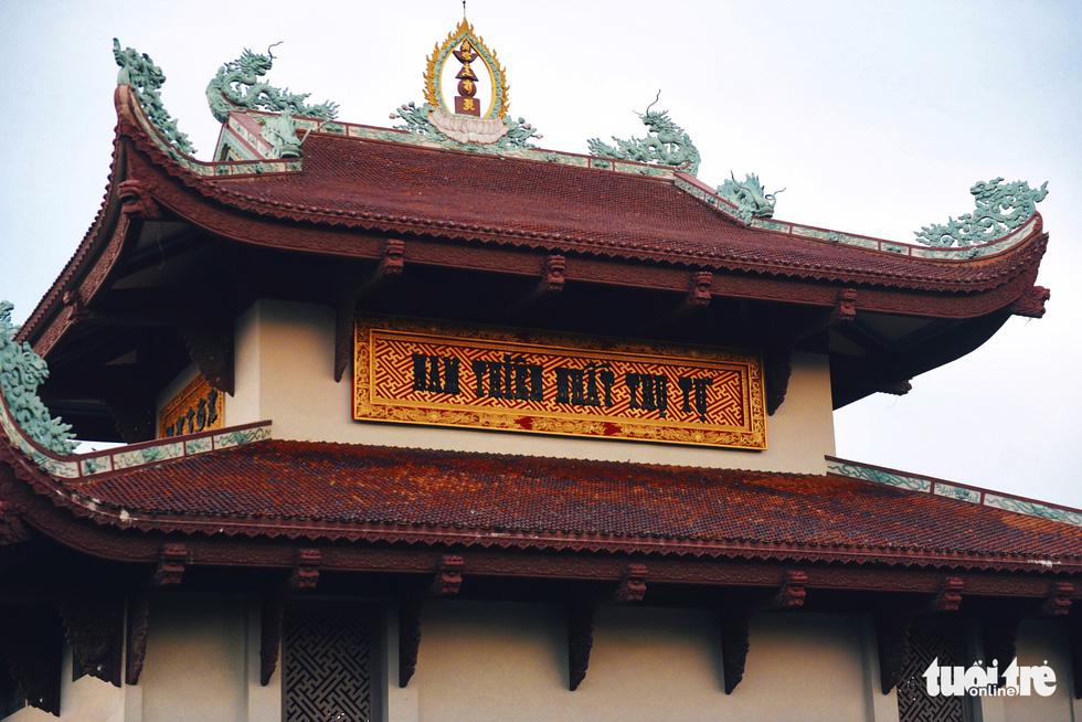 Mùa Phật Đản đi lễ chùa Một Cột tại Sài Gòn - Ảnh 2.