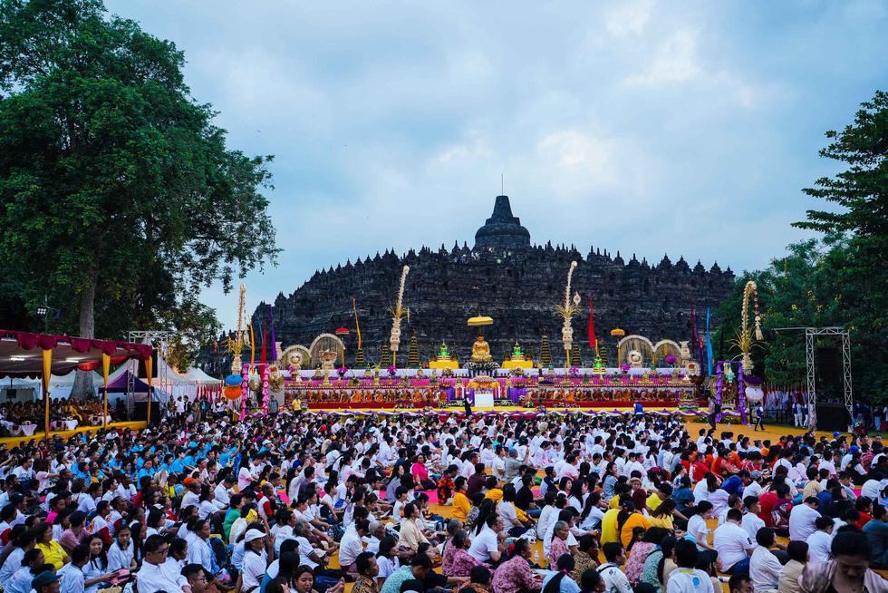 Đèn trời rực sáng thánh địa Phật giáo trong đại lễ Phật đản - Ảnh 5.