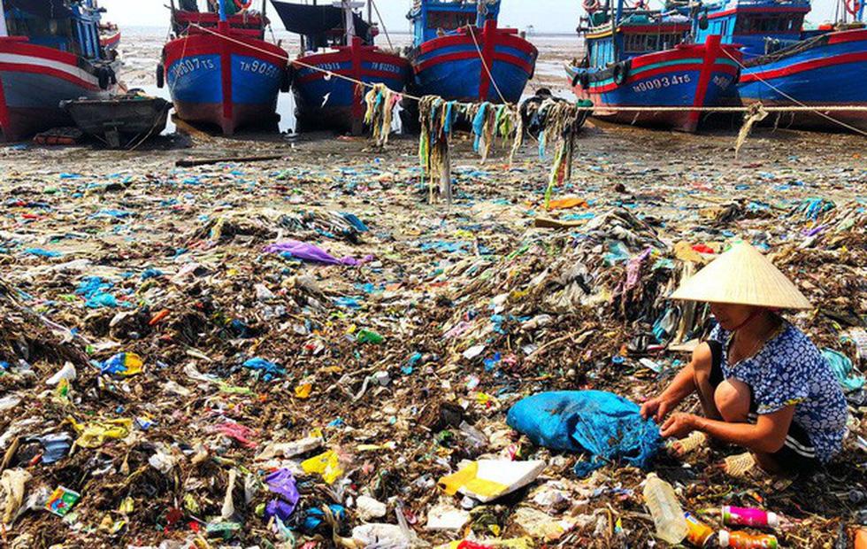 Kinh hoàng biển… rác ở Hậu Lộc, Thanh Hóa - Ảnh 12.