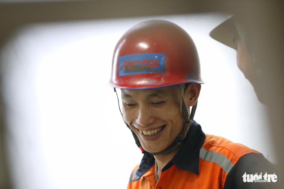 Ngắm đường hầm metro thứ 2 sắp hoàn thành dưới lòng đất - Ảnh 14.
