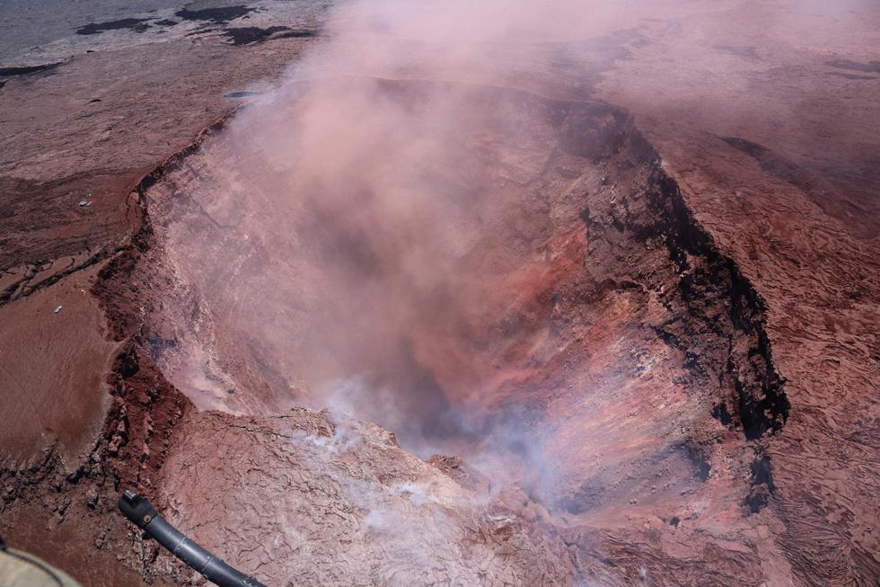 Cận cảnh núi lửa phun ở Hawaii khiến cả ngàn người di tản - Ảnh 7.