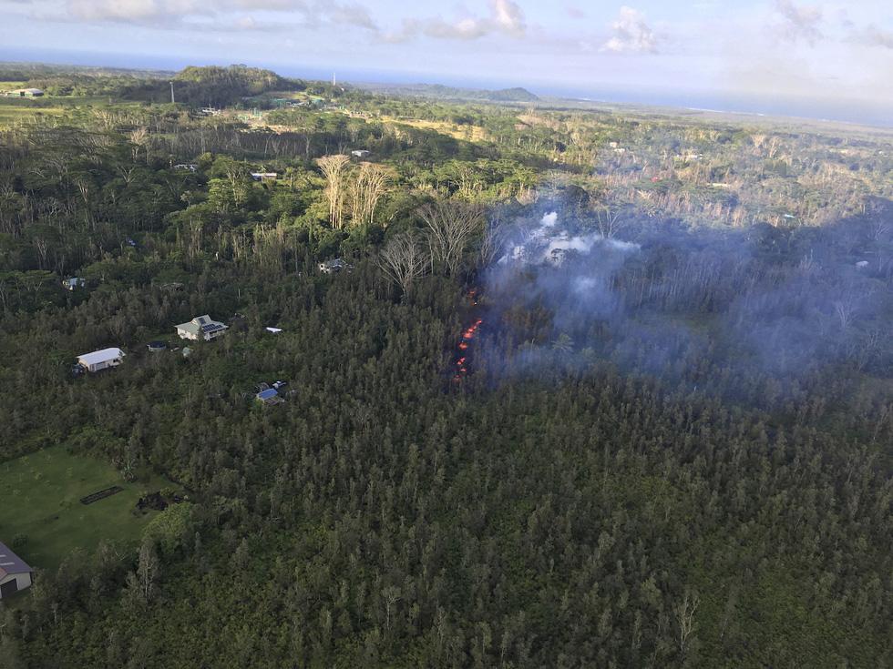 Cận cảnh núi lửa phun ở Hawaii khiến cả ngàn người di tản - Ảnh 5.