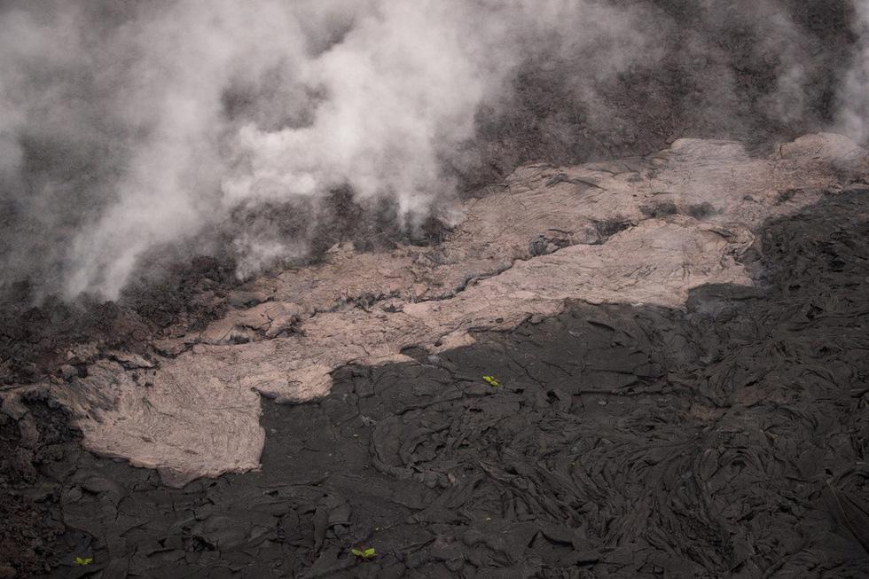 Cận cảnh núi lửa phun ở Hawaii khiến cả ngàn người di tản - Ảnh 13.