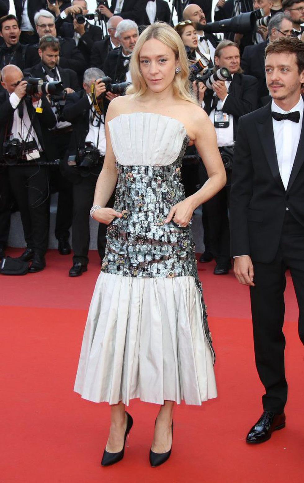 Cate Blanchett mặc đồ cũ, dàn sao nữ lộng lẫy trên thảm đỏ Cannes - Ảnh 9.
