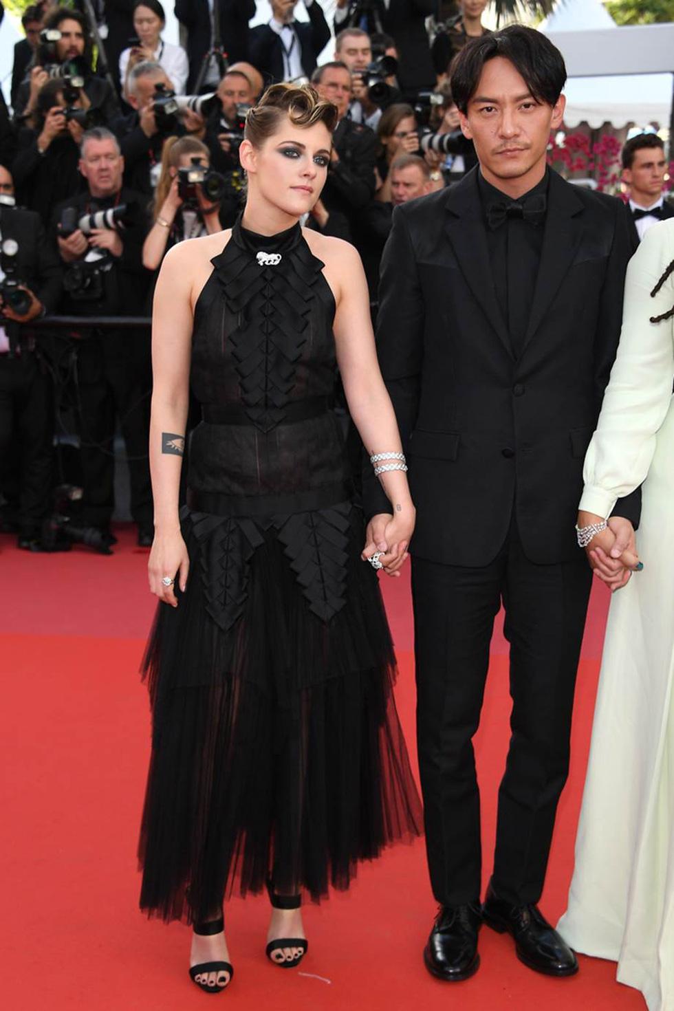 Cate Blanchett mặc đồ cũ, dàn sao nữ lộng lẫy trên thảm đỏ Cannes - Ảnh 6.