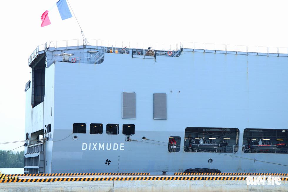 Khám phá tàu sân bay trực thăng hiện đại nhất của Pháp đang ở Việt Nam - Ảnh 2.