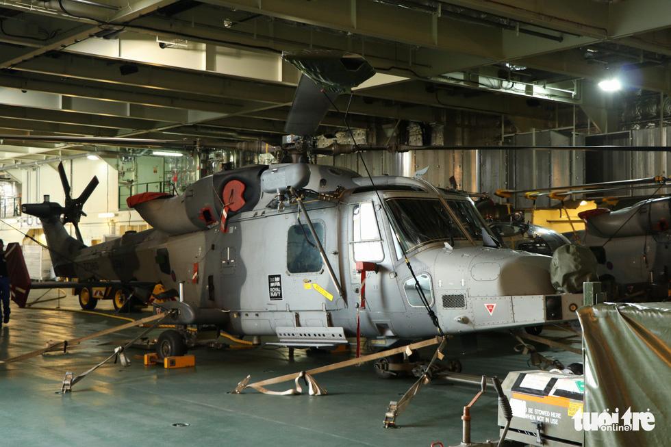 Khám phá tàu sân bay trực thăng hiện đại nhất của Pháp đang ở Việt Nam - Ảnh 9.