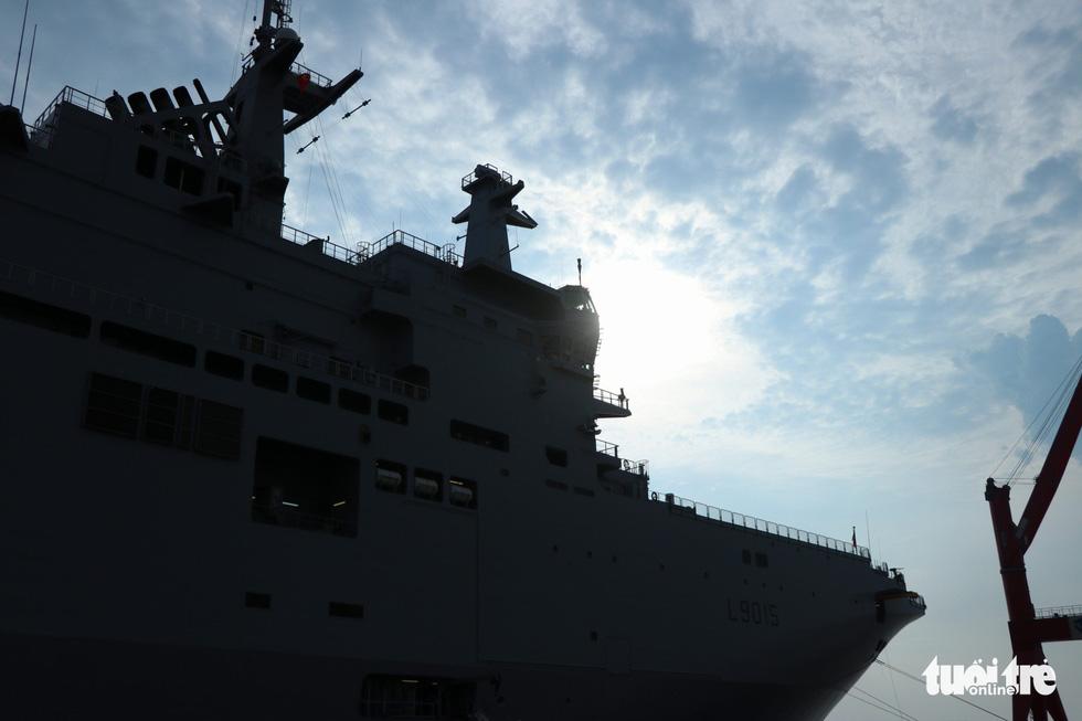 Khám phá tàu sân bay trực thăng hiện đại nhất của Pháp đang ở Việt Nam - Ảnh 20.