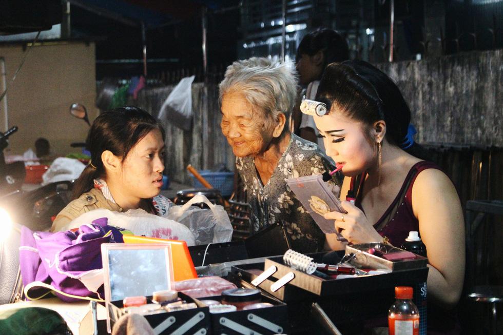 Tuồng cổ Ngọc Khanh - đoàn hát bội hiếm hoi ở Sài Gòn - Ảnh 18.