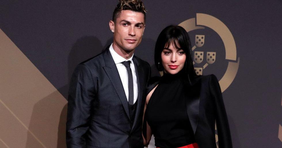 Những cô vợ bốc lửa nhất mùa World Cup 2018 - Ảnh 2.