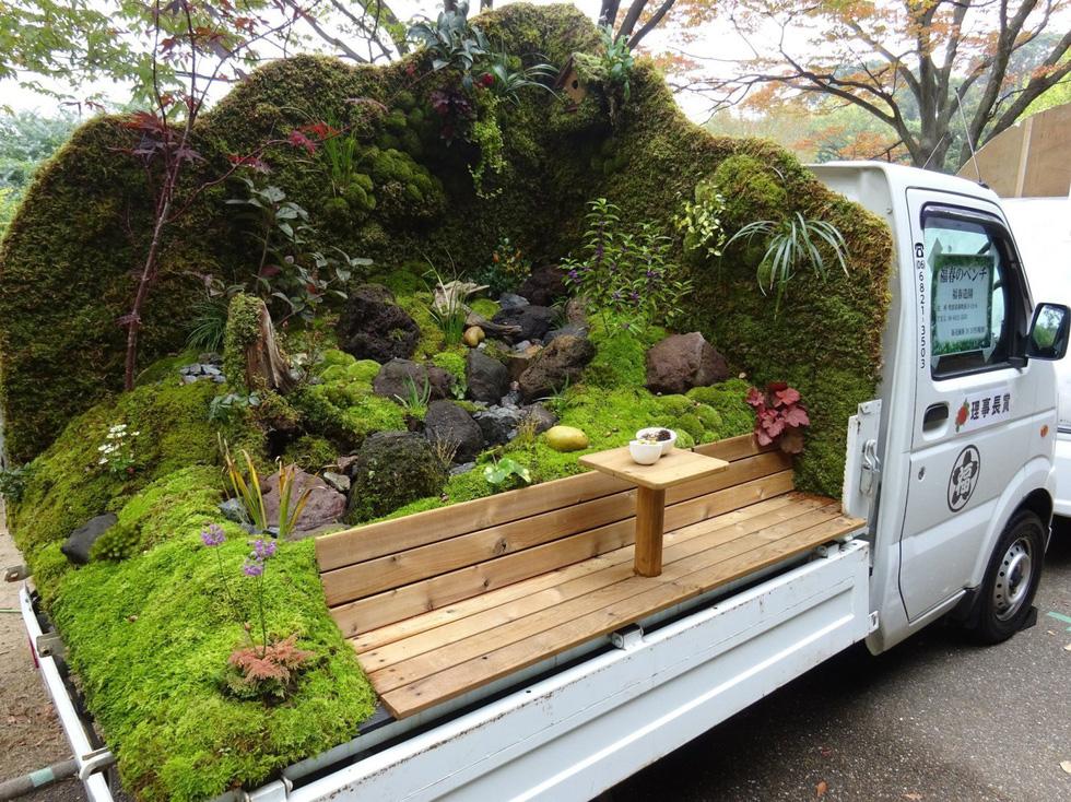 Thiếu đất, người Nhật thi nhau làm vườn trên xe tải - Ảnh 1.
