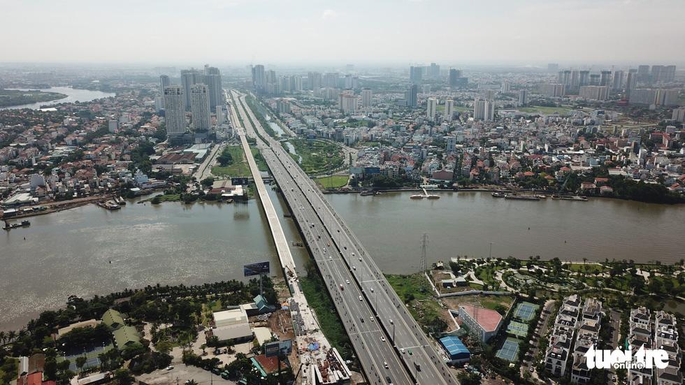 Metro Bến Thành Suối Tiên chậm rồi lại chậm