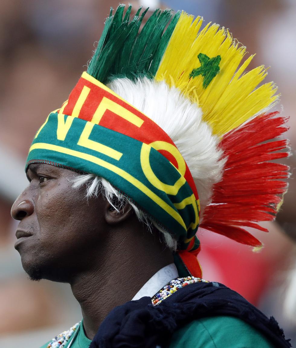 Fan World Cup ấn tượng với khuôn mặt nhiều sắc màu - Ảnh 12.