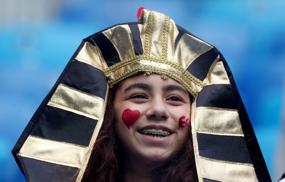 Fan World Cup ấn tượng với khuôn mặt nhiều sắc màu - Ảnh 13.