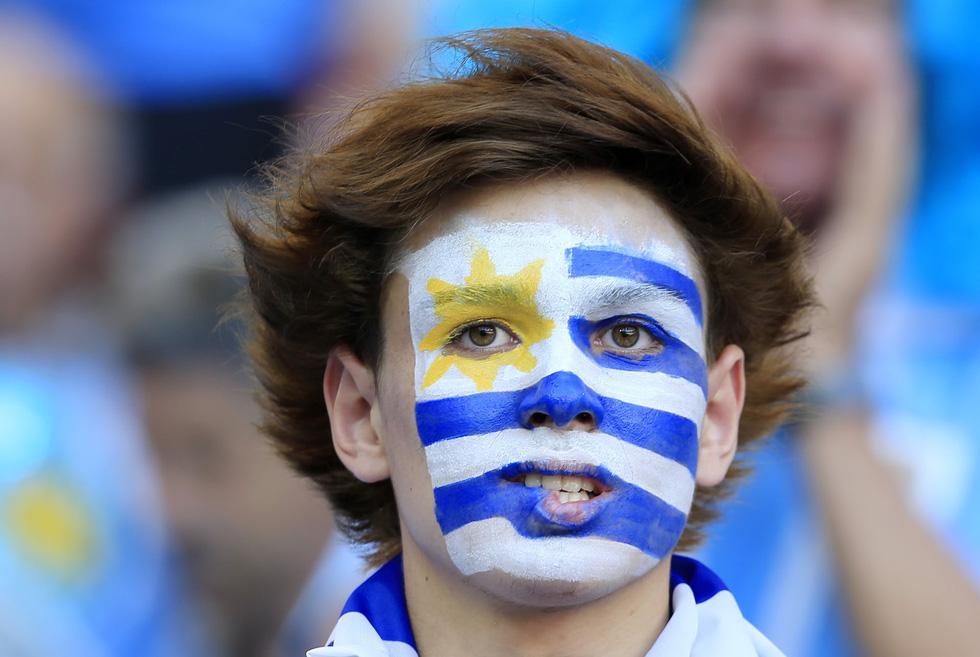 Fan World Cup ấn tượng với khuôn mặt nhiều sắc màu - Ảnh 20.