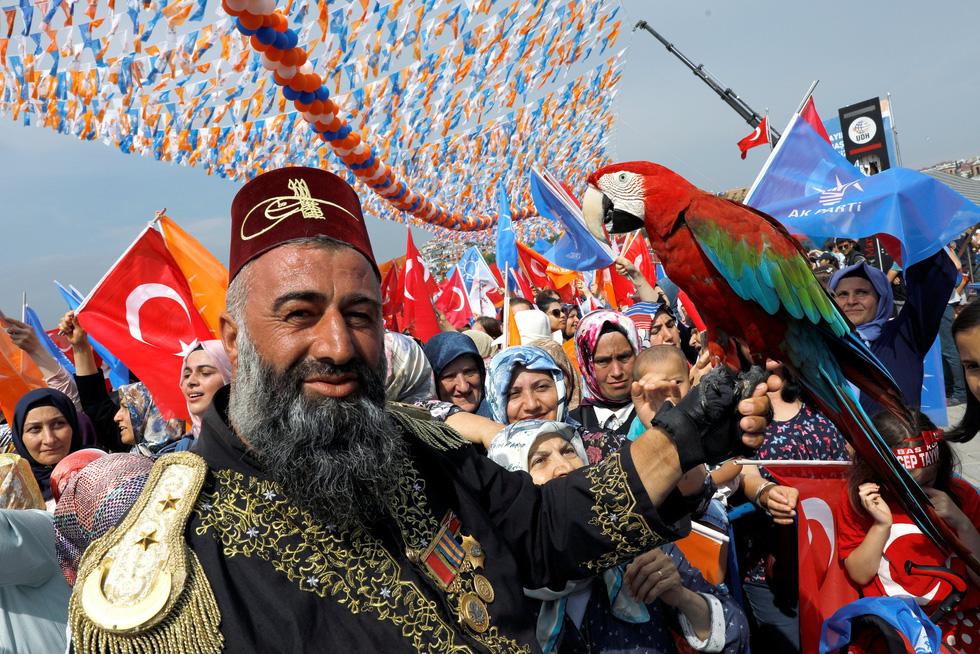 Sắc màu bầu cử Thổ Nhĩ Kỳ - Ảnh 1.