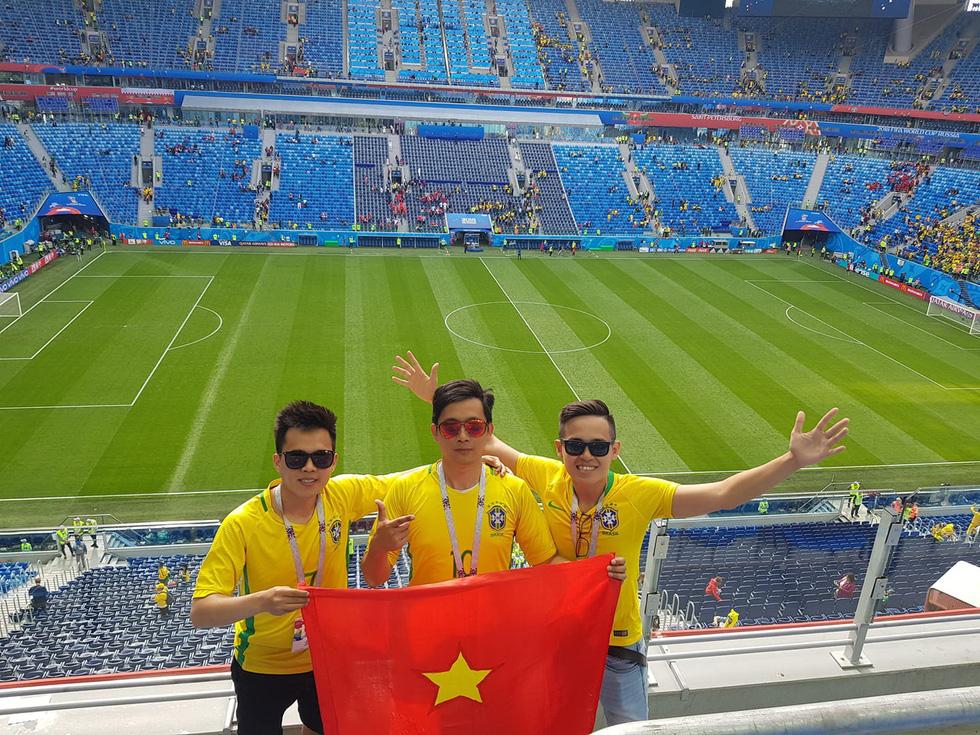 Theo chân chàng trai Việt tận hưởng không khí World Cup 2018 - Ảnh 8.