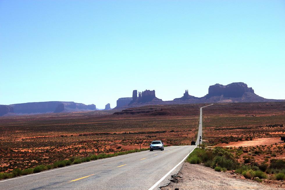 Monument Valley nổi tiếng trong các phim cao bồi viễnTây - Ảnh 2.
