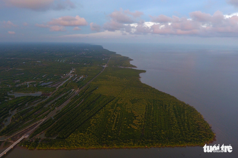 Ngắm khu dự trữ sinh quyển thế giới Mũi Cà Mau từ trên cao - Ảnh 4.