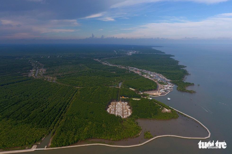 Ngắm khu dự trữ sinh quyển thế giới Mũi Cà Mau từ trên cao - Ảnh 2.