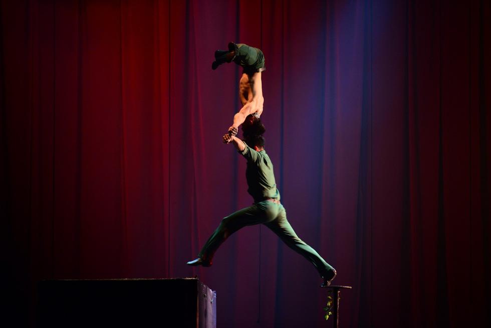 Quốc Cơ, Quốc Nghiệp: cú nhảy như hi sinh cho Tổ quốc của mình - Ảnh 16.