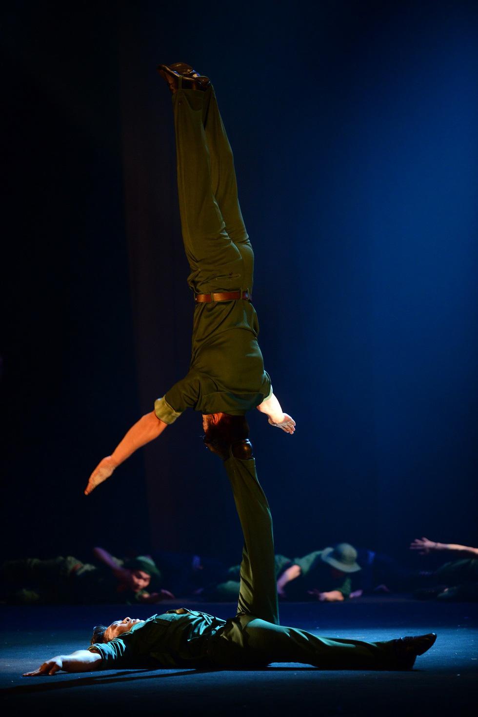 Quốc Cơ, Quốc Nghiệp: cú nhảy như hi sinh cho Tổ quốc của mình - Ảnh 19.