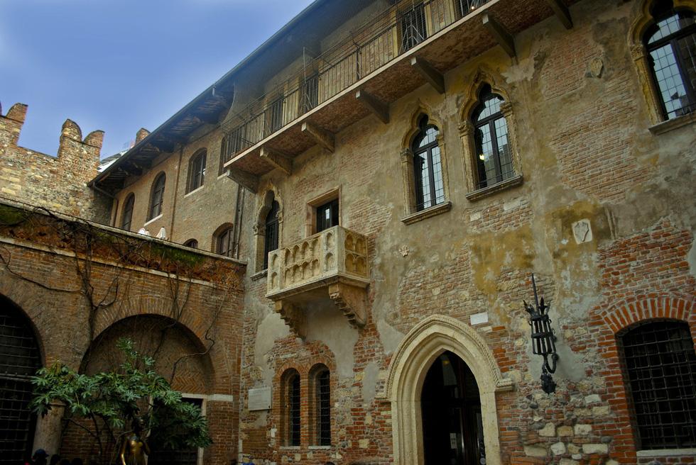 Đến nhà nàng Giulietta - người yêu của Romeo - Ảnh 2.