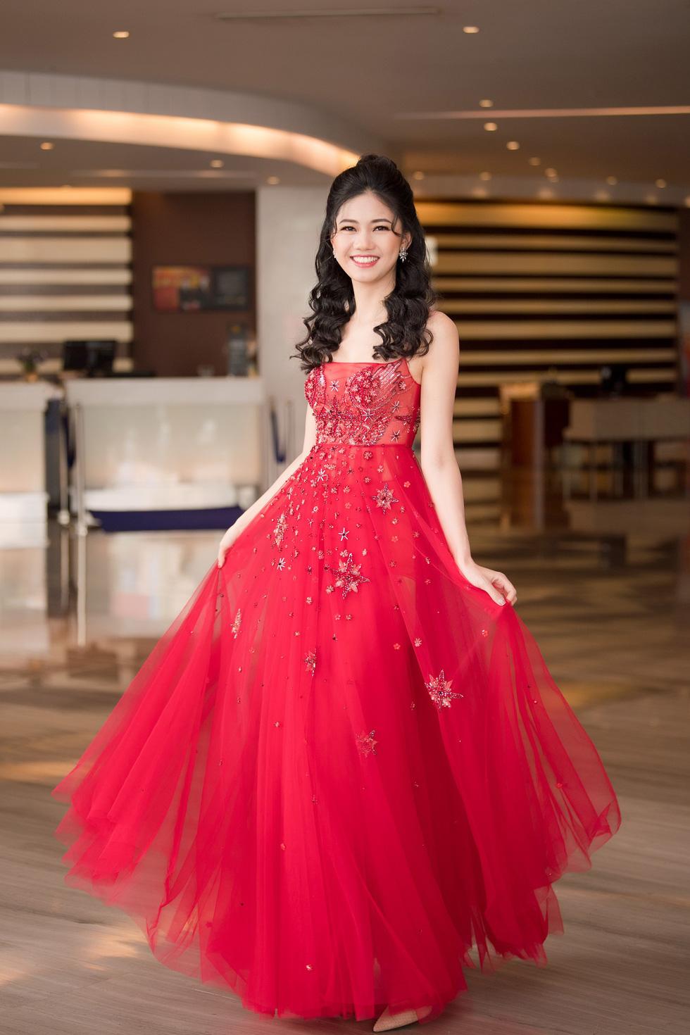 Thí sinh Hoa hậu Việt Nam 2018 sẽ phải bán vé số, cào nghêu - Ảnh 6.