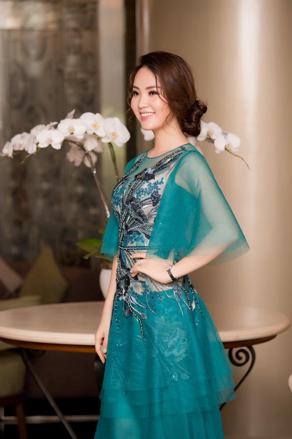 Thí sinh Hoa hậu Việt Nam 2018 sẽ phải bán vé số, cào nghêu - Ảnh 4.