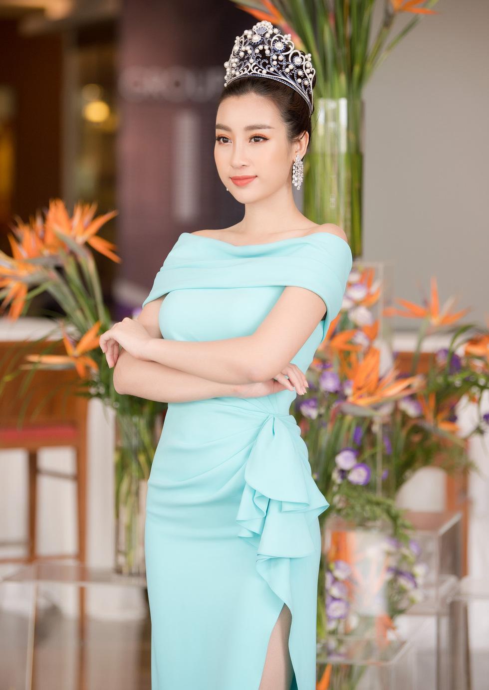 Thí sinh Hoa hậu Việt Nam 2018 sẽ phải bán vé số, cào nghêu - Ảnh 1.