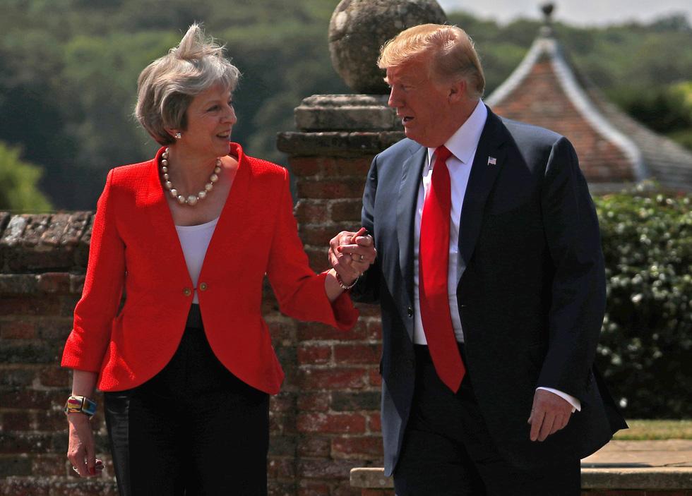 Thế giới trong tuần qua ảnh: Bé Trump đại náo nước Anh - Ảnh 3.